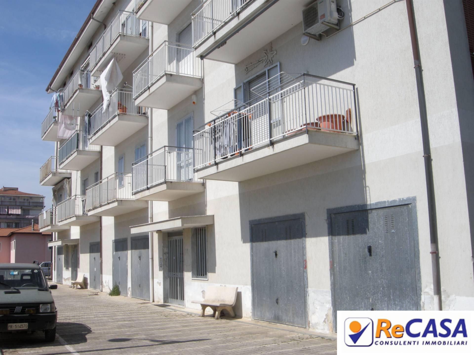 Appartamento in affitto a Montecorvino Pugliano, 2 locali, zona Località: Centro, prezzo € 350 | Cambio Casa.it
