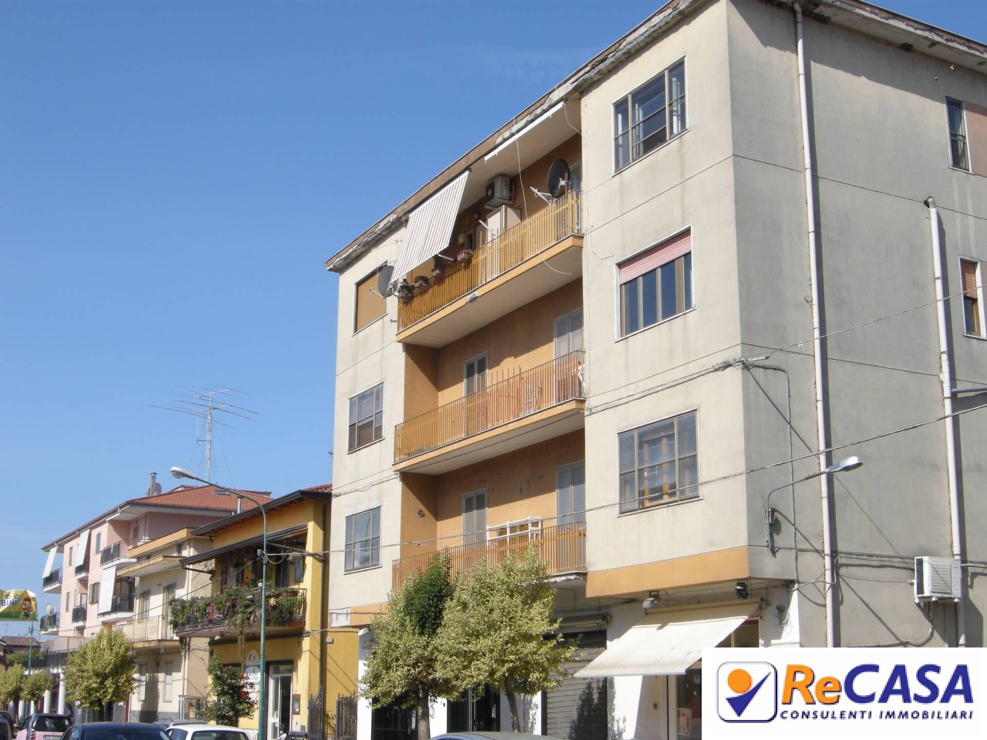 Appartamento in vendita a Montecorvino Rovella, 3 locali, zona Zona: Macchia, prezzo € 85.000 | Cambio Casa.it