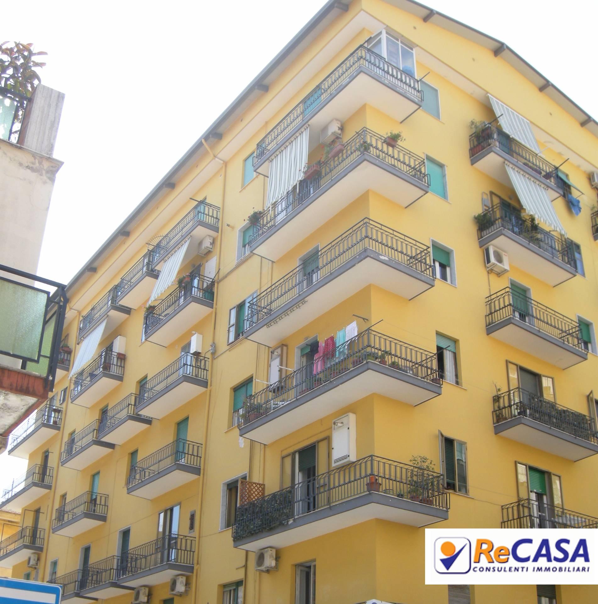 Appartamento in vendita a Battipaglia, 2 locali, zona Località: centro, prezzo € 99.000 | Cambio Casa.it