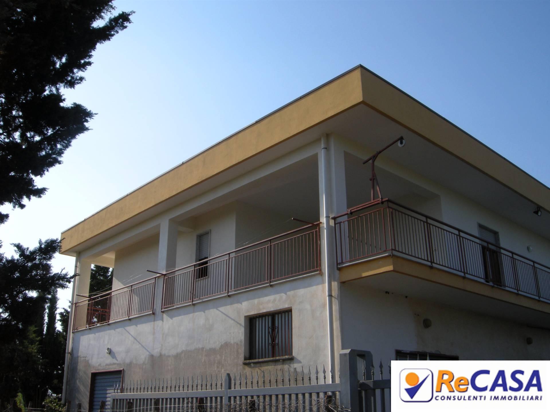 Appartamento in affitto a Bellizzi, 3 locali, zona Località: Viaindustrie-Commercio, prezzo € 450   CambioCasa.it