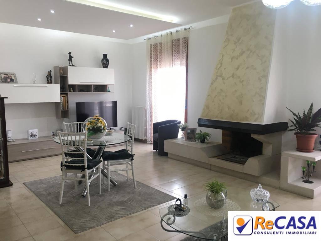 Appartamento in vendita a Bellizzi, 4 locali, zona Località: Centro, prezzo € 159.000 | CambioCasa.it