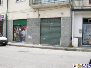 Locale commerciale in Affitto a Montecorvino Rovella