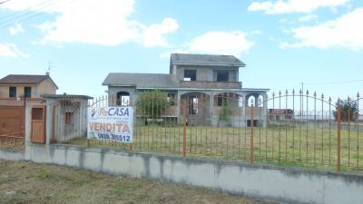 Villa in Vendita a Montecorvino Pugliano