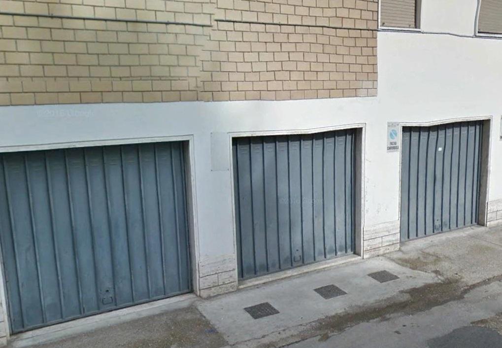 Box / Garage in vendita a San Benedetto del Tronto, 1 locali, zona Località: CENTRALEVERSOSUD, prezzo € 15.000 | CambioCasa.it