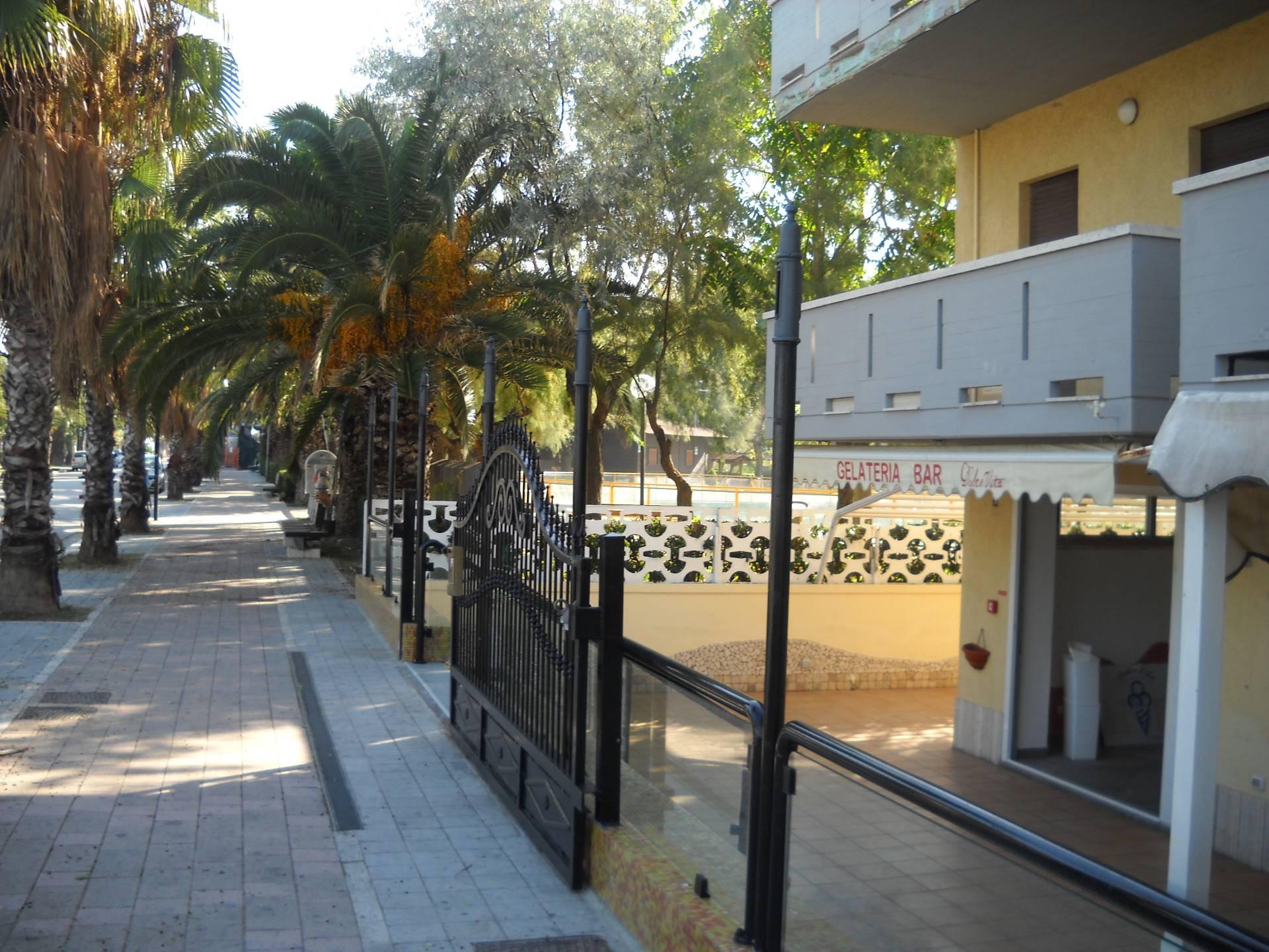 Attività / Licenza in affitto a Martinsicuro, 9999 locali, zona Località: ZonaMare, prezzo € 20.000 | CambioCasa.it