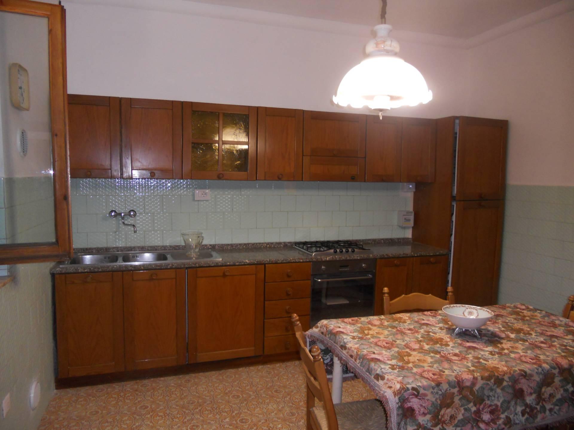 vendita villa a schiera montespertoli   138000 euro  5 locali  110 mq