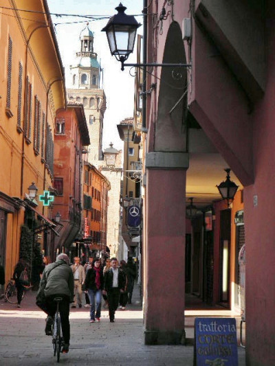 Locale commerciale in Affitto a Bologna