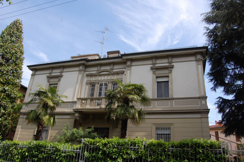 Villa in Vendita a Bologna