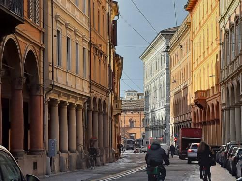 Attività Commerciale/Uffici in Vendita a Bologna