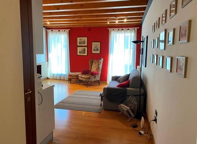 Appartamento in affitto a Centro Storico, Treviso (TV)