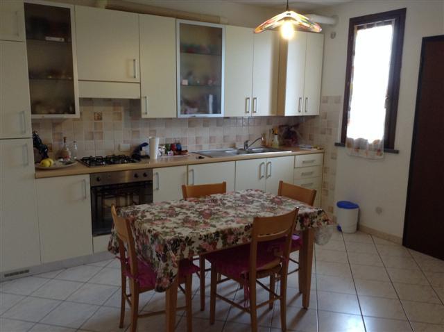 Appartamento in vendita a Santa Maria a Monte, 3 locali, zona Località: SanDonato, prezzo € 80.000 | CambioCasa.it