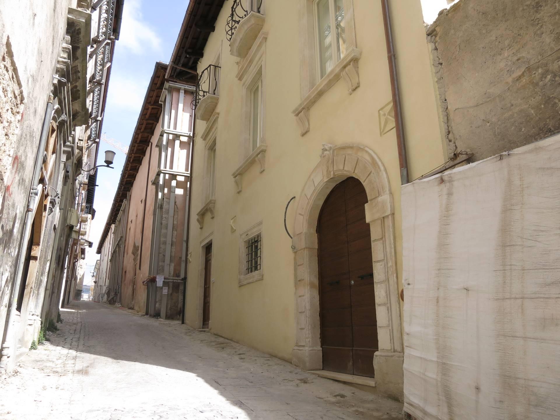 Ufficio / Studio in affitto a L'Aquila, 1 locali, zona Località: Centrostorico, prezzo € 550 | Cambio Casa.it