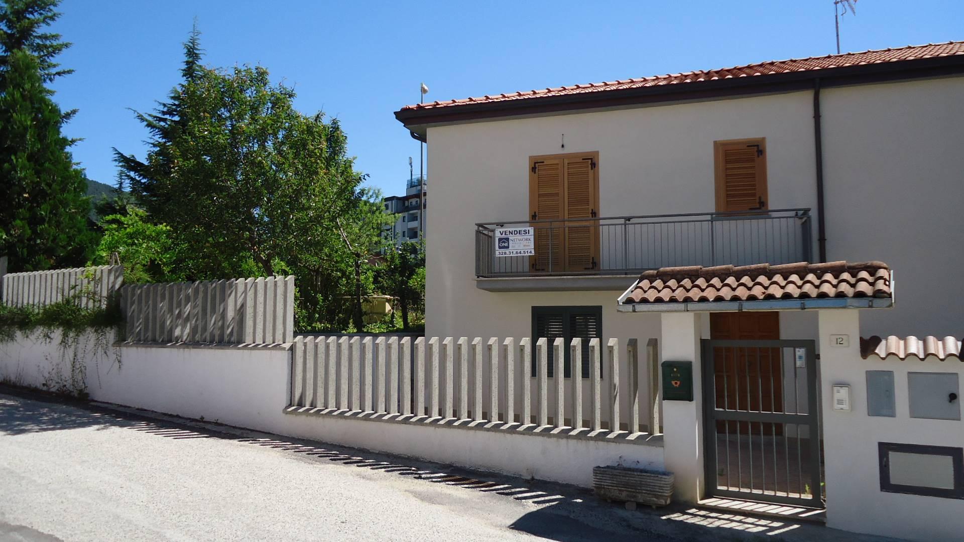 Soluzione Indipendente in vendita a L'Aquila, 3 locali, zona Località: ZonaOvest, prezzo € 148.000 | CambioCasa.it