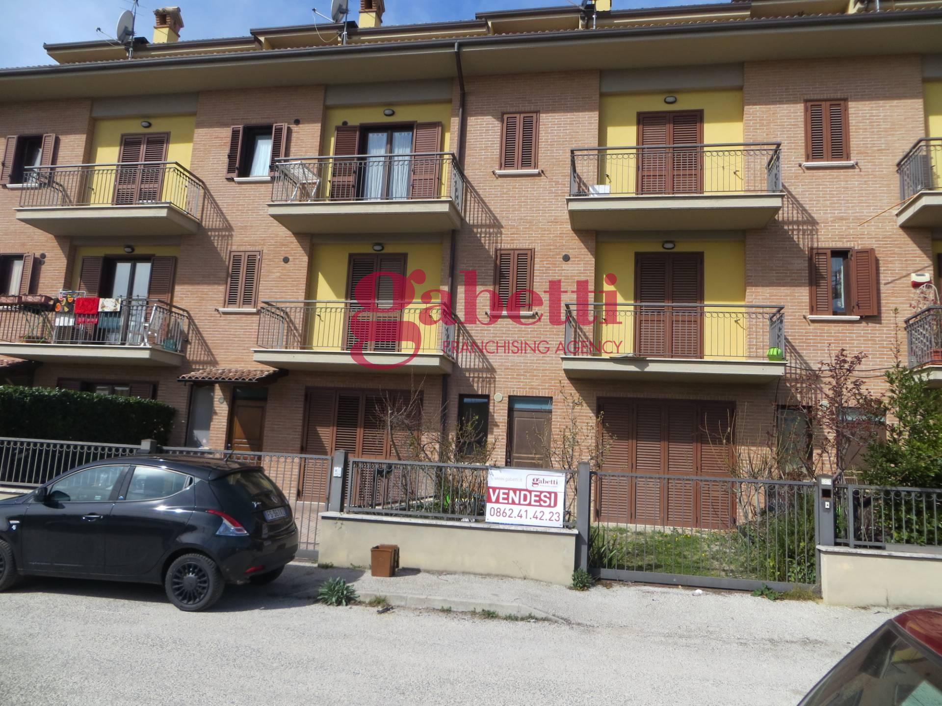 Villa a Schiera in vendita a L'Aquila, 5 locali, prezzo € 250.000 | PortaleAgenzieImmobiliari.it