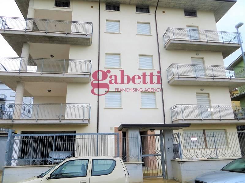 Appartamento in vendita a L'Aquila, 5 locali, zona Località: Torretta, prezzo € 290.000 | PortaleAgenzieImmobiliari.it