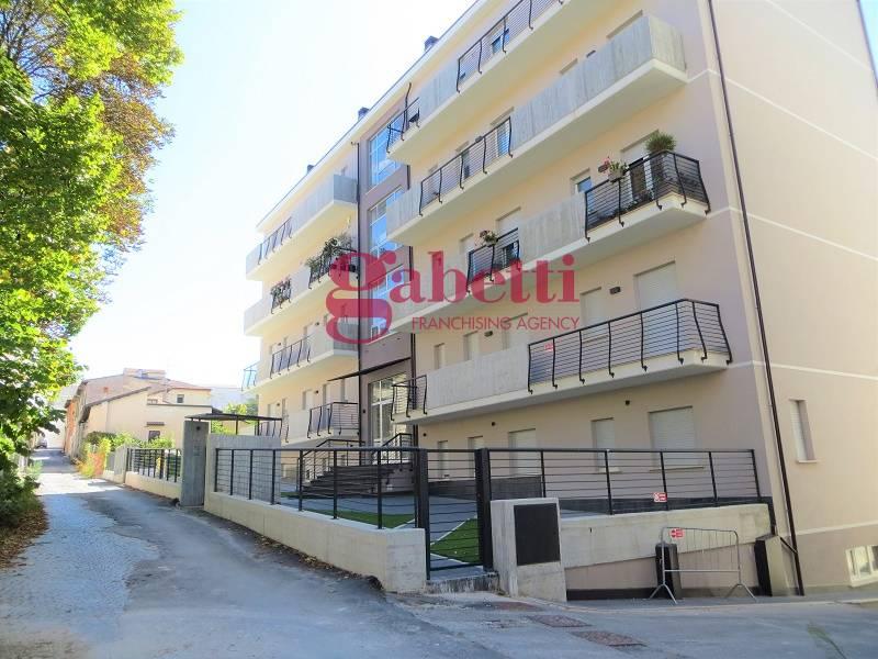 Appartamento, 100 Mq, Affitto - L'aquila (L'Aquila)
