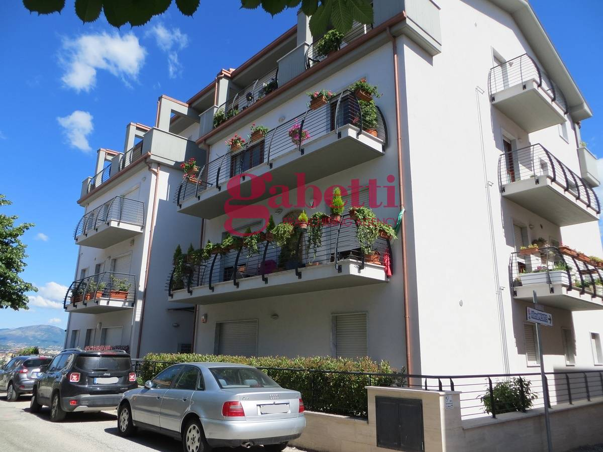 Appartamento in vendita a L'Aquila, 3 locali, zona Località: Centrostorico, prezzo € 160.000 | PortaleAgenzieImmobiliari.it