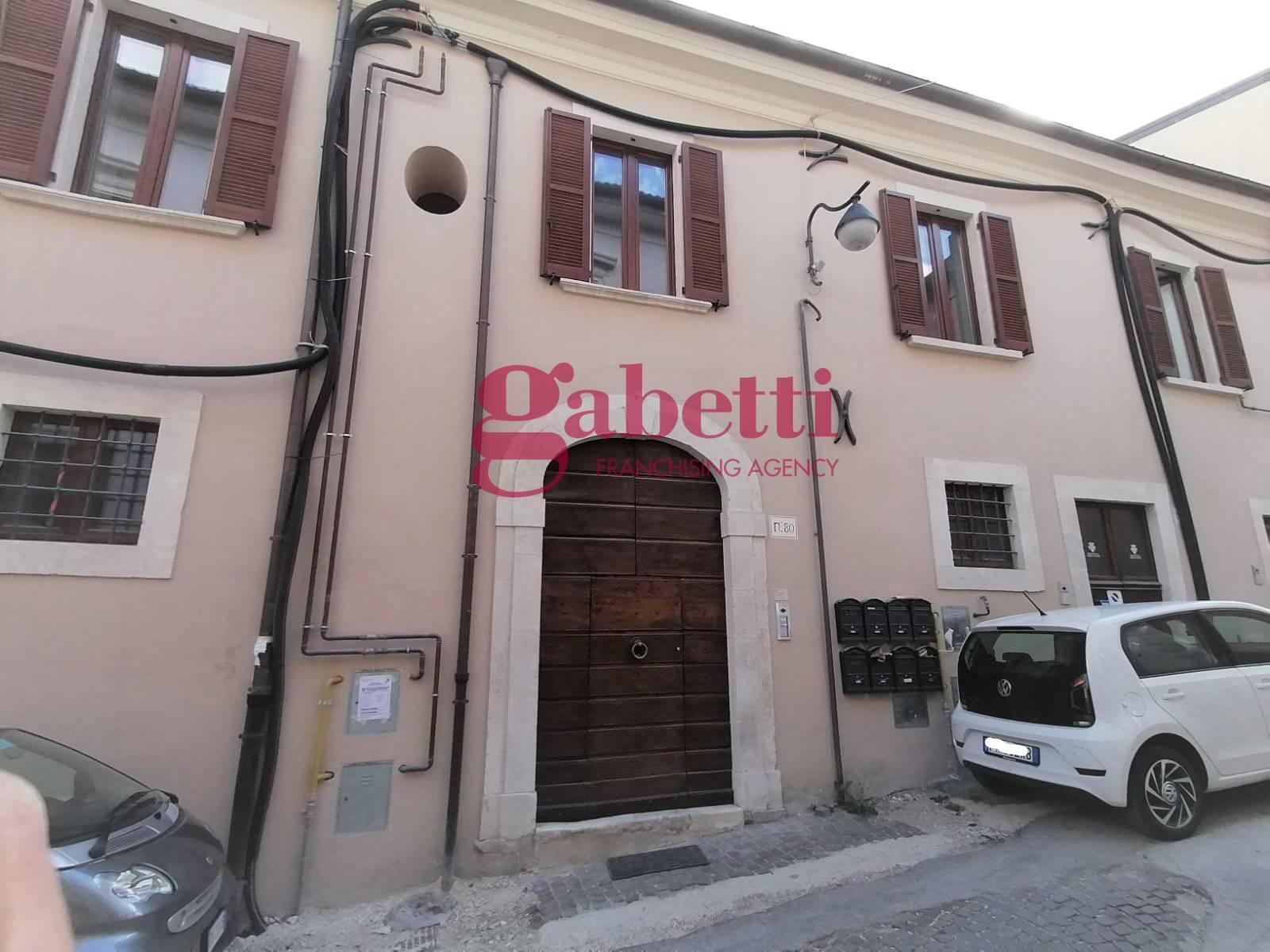 Appartamento in vendita a L'Aquila, 2 locali, zona Località: Centrostorico, prezzo € 160.000 | PortaleAgenzieImmobiliari.it