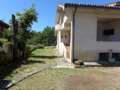 Villa Singola in Vendita a L'Aquila