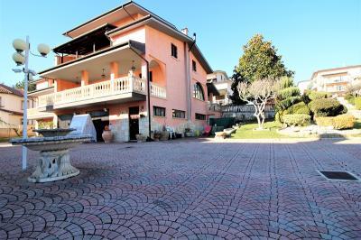 Villa Bifamiliare in Vendita a L'Aquila