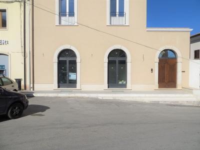 Locale commerciale in Affitto a San Demetrio ne' Vestini