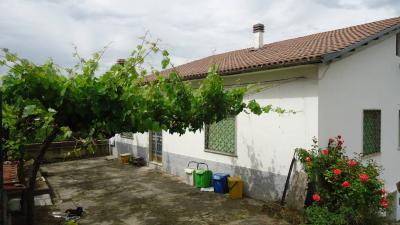 Villa Singola in Affitto a L'Aquila