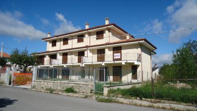 Villa a Schiera in Vendita a L'Aquila