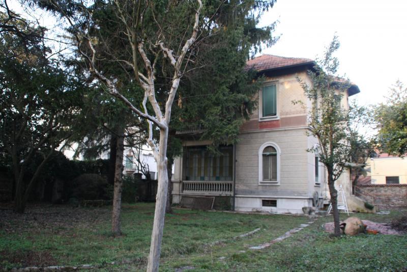 Villa in vendita a Monza, 8 locali, prezzo € 1.200.000 | Cambio Casa.it