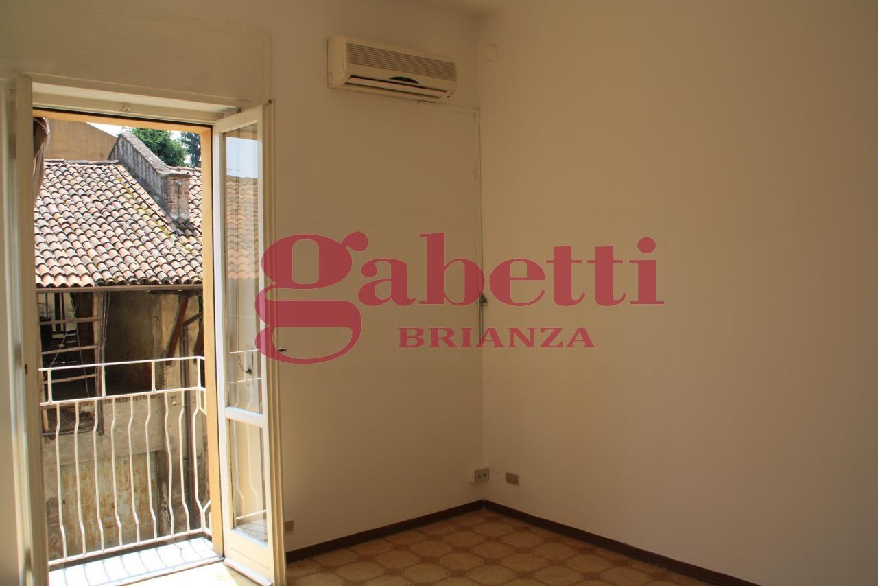 Bilocale Usmate Velate Via Milano 5