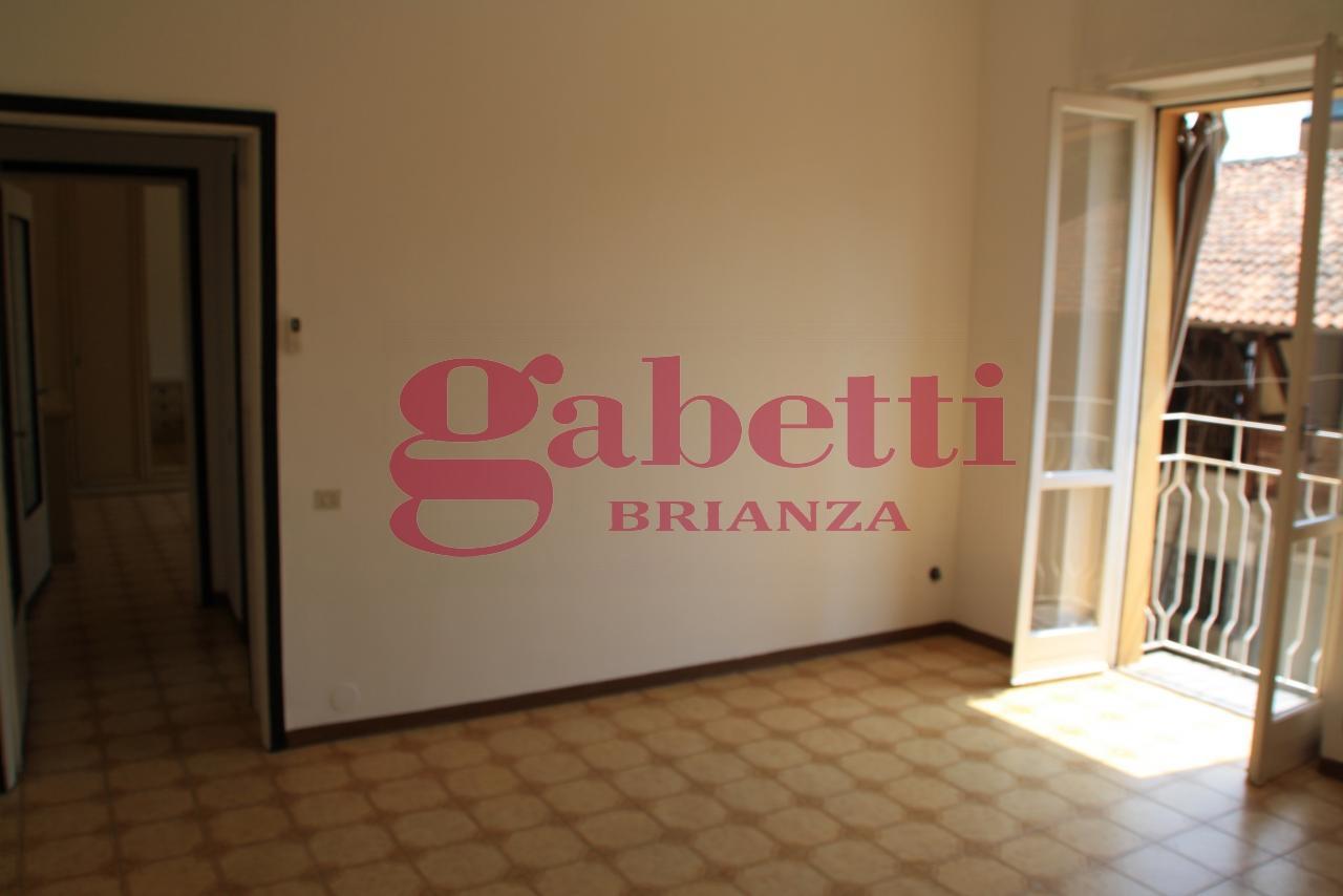 Bilocale Usmate Velate Via Milano 4