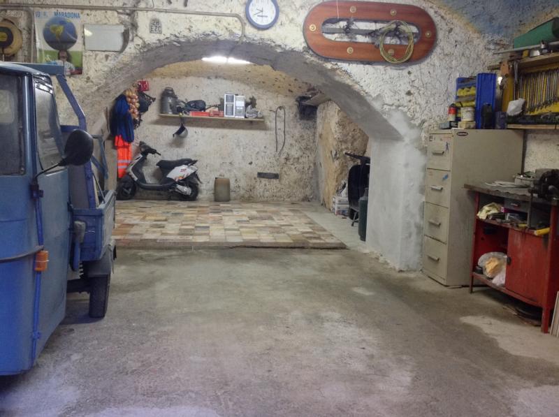 Box / Garage in vendita a Vico Equense, 1 locali, zona Località: VicoEquense(Capoluogo, prezzo € 70.000   CambioCasa.it