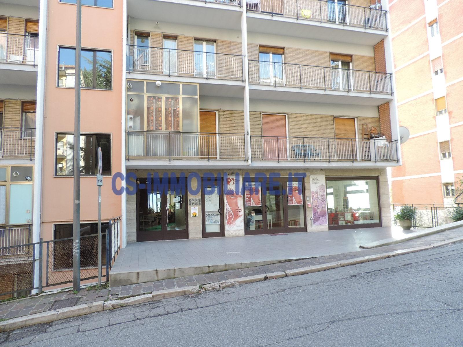 Appartamento in affitto a Potenza, 5 locali, zona Zona: Semicentro, prezzo € 450 | Cambio Casa.it