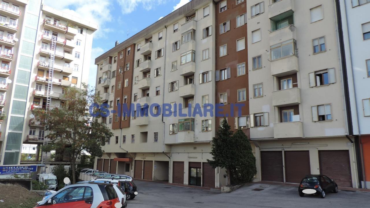Appartamento in affitto a Potenza, 5 locali, zona Località: PoggioTreGalli, prezzo € 500 | Cambio Casa.it