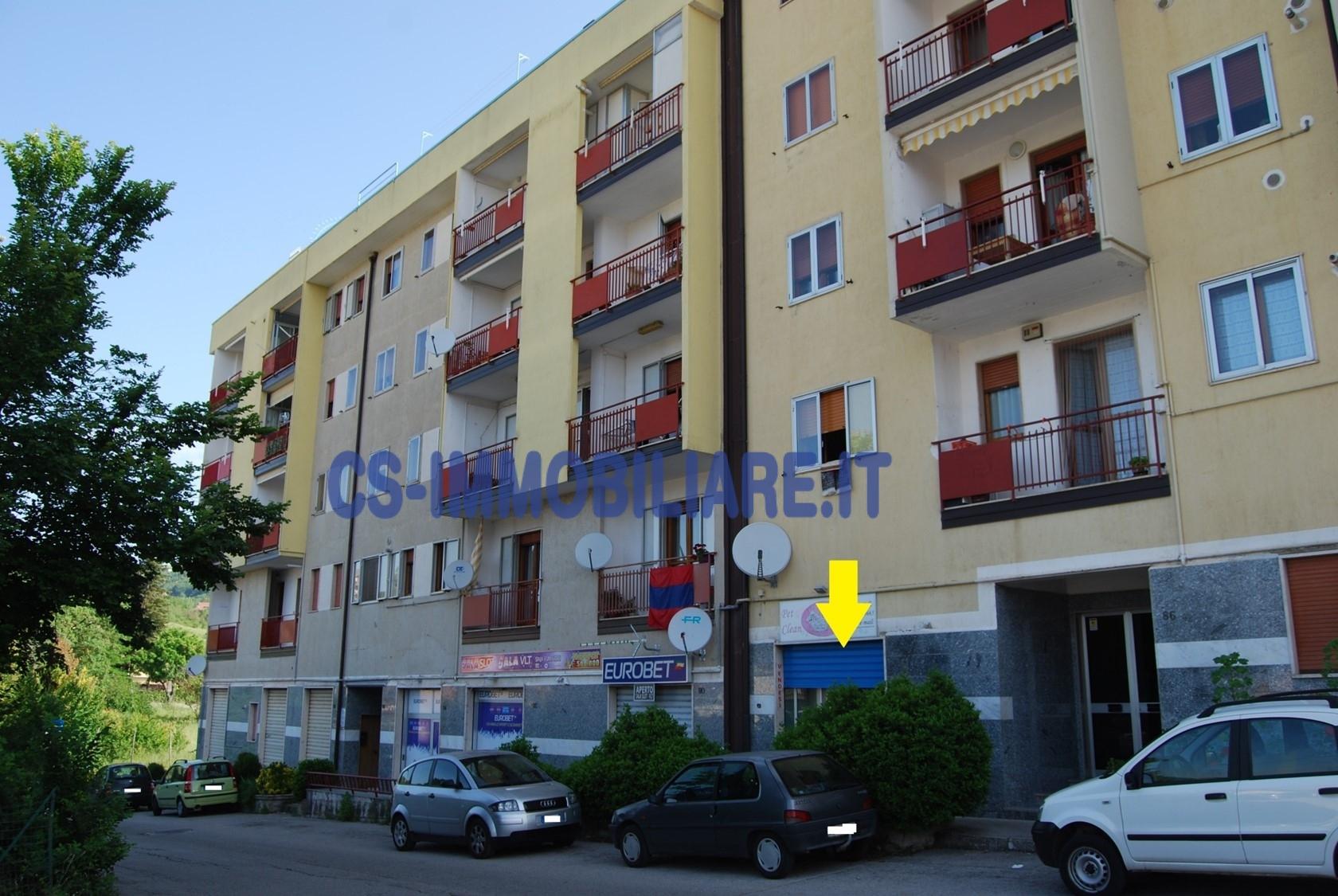 Negozio / Locale in affitto a Potenza, 9999 locali, zona Località: ViaAncona, prezzo € 500 | CambioCasa.it