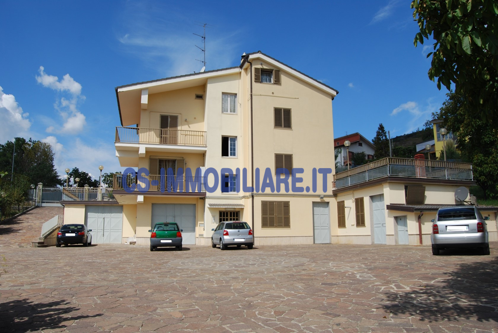 Appartamento in affitto a Potenza, 5 locali, zona Località: ViaStigliani, prezzo € 550 | CambioCasa.it