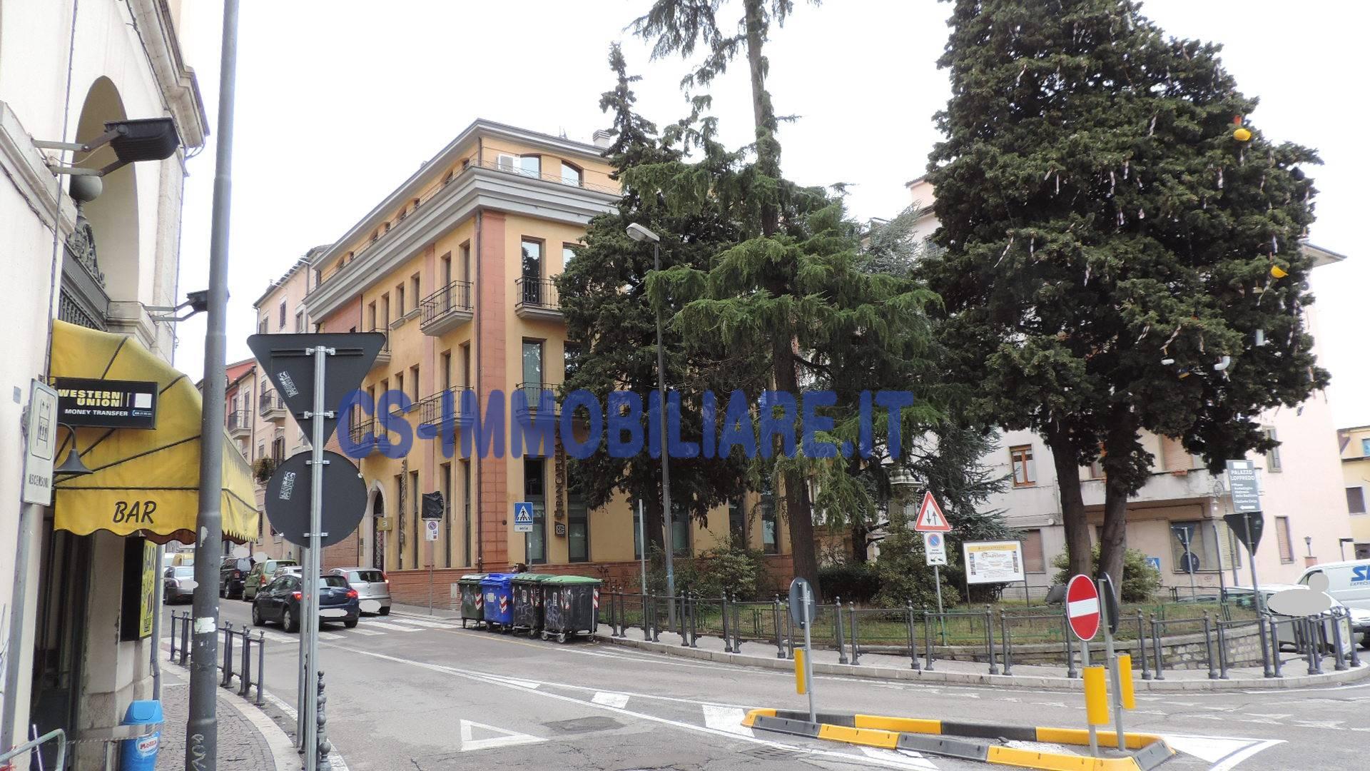 Ufficio / Studio in affitto a Potenza, 9999 locali, zona Località: Centro, prezzo € 650 | CambioCasa.it