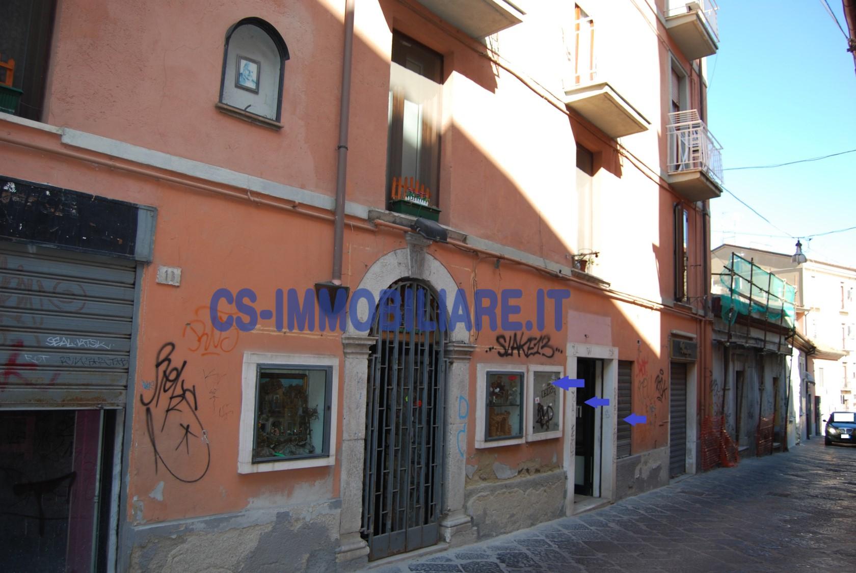 Negozio / Locale in affitto a Potenza, 9999 locali, zona Località: Centro, prezzo € 26.000 | CambioCasa.it