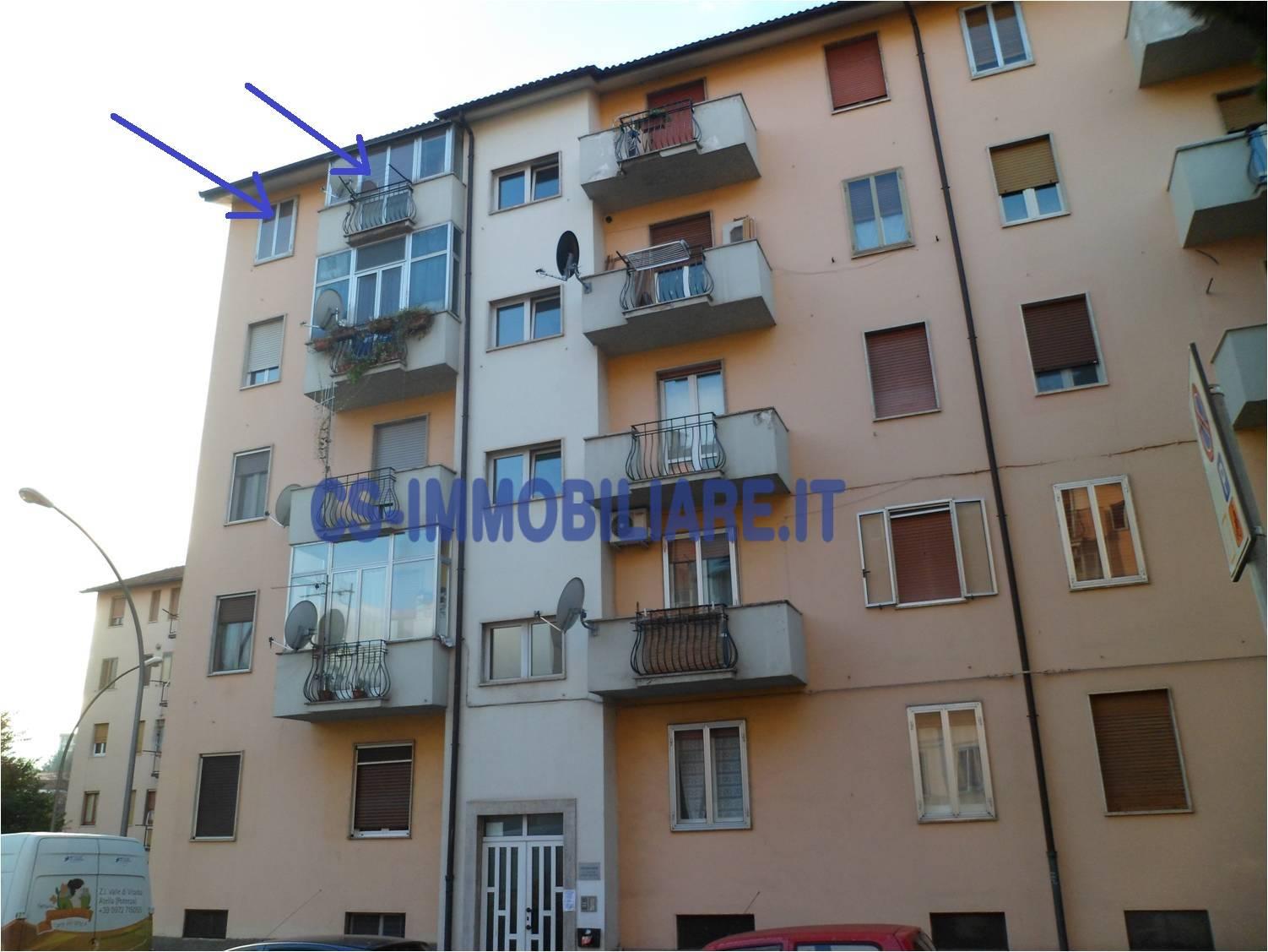 Appartamento in affitto a Potenza, 3 locali, zona Località: RioneLucania, prezzo € 290 | CambioCasa.it