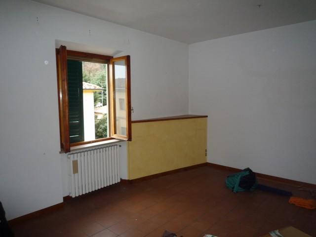 Appartamento in vendita a Vicopisano, 4 locali, zona Località: Vicopisano, prezzo € 160.000 | Cambio Casa.it