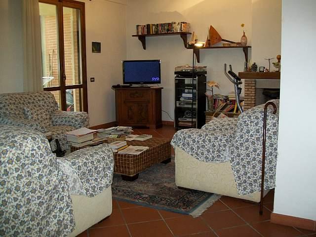 Villa in vendita a Cascina, 6 locali, zona Località: SanFredianoaSettimo, prezzo € 430.000 | Cambio Casa.it