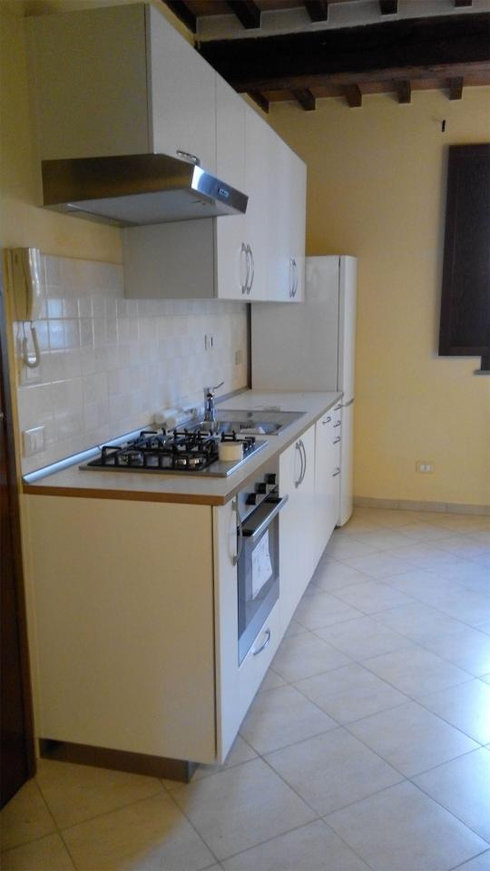 Appartamento in affitto, rif. AC4835 a