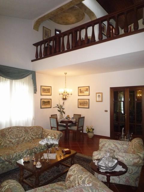 Villa in vendita a Cascina, 11 locali, zona Località: SanFredianoaSettimo, prezzo € 785.000 | Cambio Casa.it