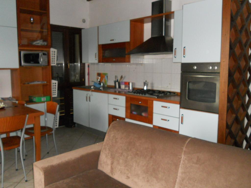 Appartamento in affitto a Calcinaia, 3 locali, zona Zona: Fornacette, prezzo € 550 | Cambio Casa.it
