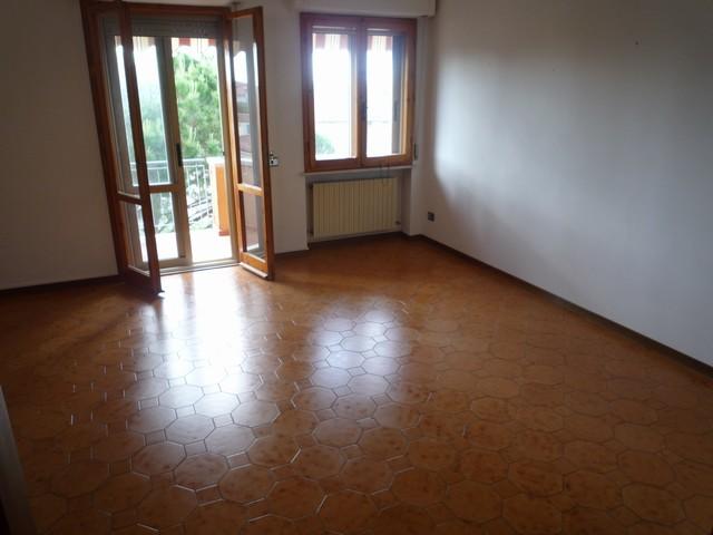 Appartamento in vendita a Cascina, 5 locali, zona Zona: Casciavola, prezzo € 170.000 | Cambio Casa.it