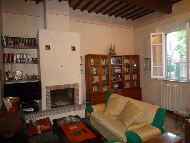Villa in Vendita a Cascina