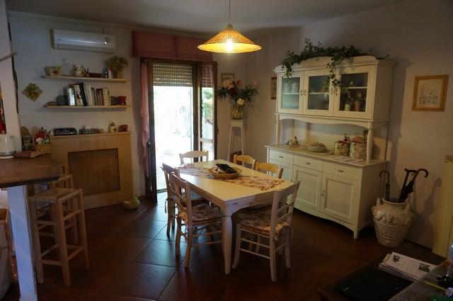 Villa in vendita a Vicopisano, 4 locali, zona Zona: Caprona, prezzo € 249.000 | Cambio Casa.it