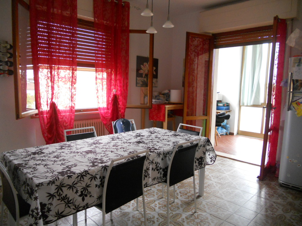 Appartamento in affitto a Cascina, 5 locali, zona Località: SanBenedetto, prezzo € 650 | Cambio Casa.it