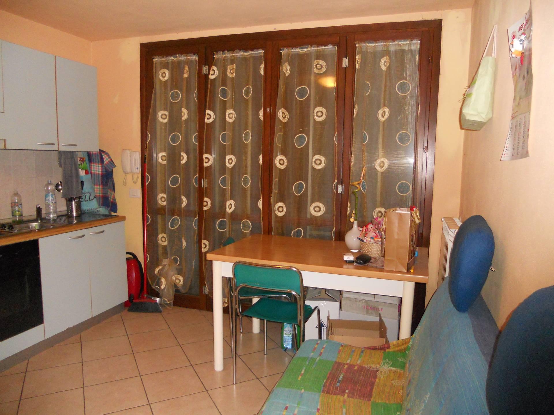 Appartamento in affitto, rif. AC5528