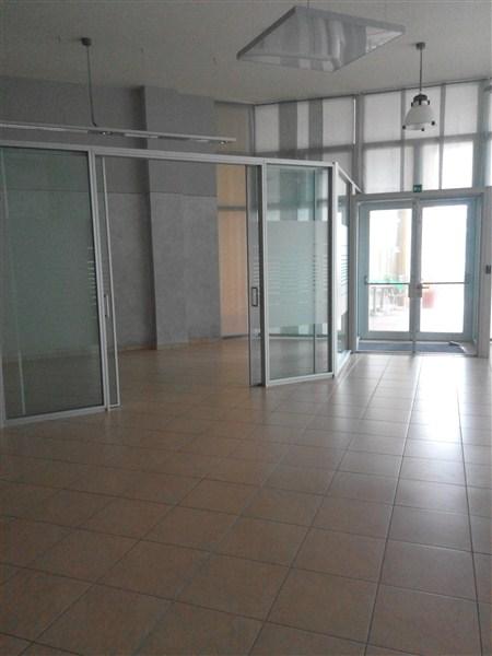 Ufficio / Studio in affitto a Cascina, 9999 locali, zona Località: Centro, prezzo € 3.500 | Cambio Casa.it