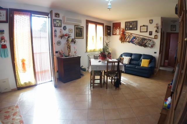 Appartamento in vendita a Cascina, 5 locali, zona Località: S.Anna, prezzo € 179.000 | Cambio Casa.it